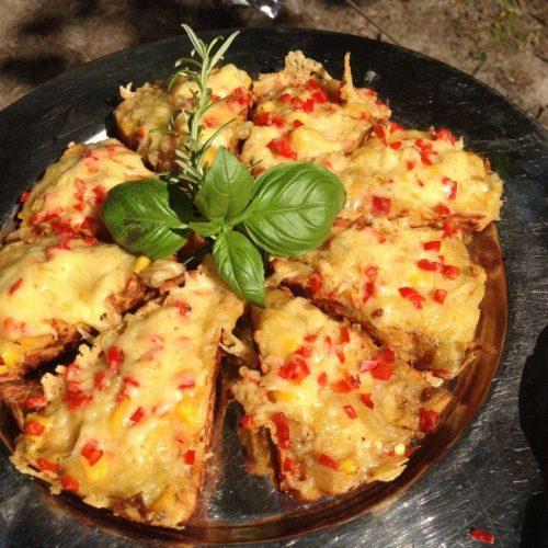 Maisbrood met kaas uit de Dutch Oven