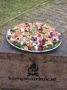 Bietensalade uit de Dutch Oven